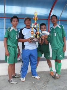 pelatih cahyo dan pemain terbaik